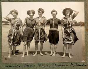Bathing-Suit-Women-in-bathing-suits-on-Collaroy-Beach-1908-photographed-by-Colin-Caird-credit-Library-of-New-South-Wales-via-Flickr-Commons